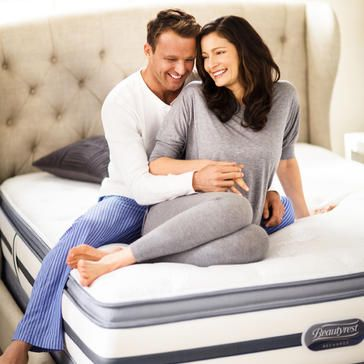 Simmons-BeautyrestBeautyrest-couple-Los-Angeles-Mattress-Pros-wholesale-mattress-best-priced-los-angeles-mattress-stores---beautyres-recharge-simmons